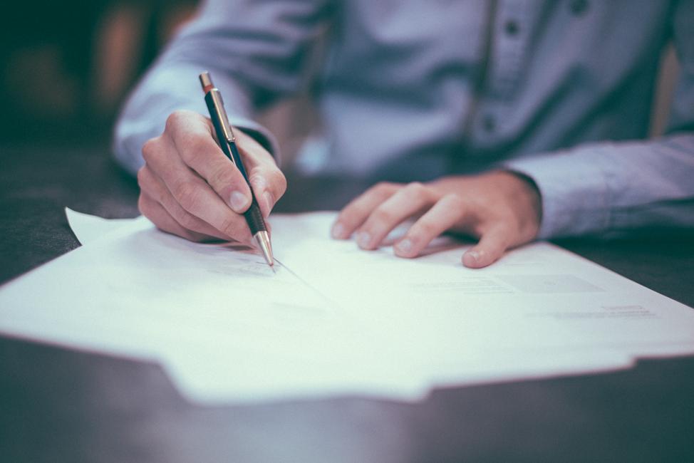 Подписание договора франчайзинга